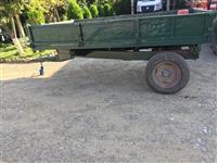 Shiten kukicat e traktorit te beogradit