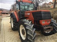Traktor F100
