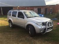 Nissan pathfinder 1 vit rks 4x4