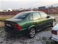 Shitet Opel Vectra