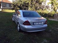 Shes mercedes c 220 -04