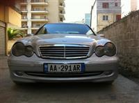 220 shitet ne gjendje perfekte 3300 euro. ne Berat
