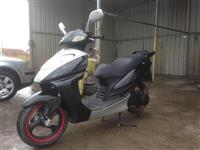 Skuteri 150cc  400€