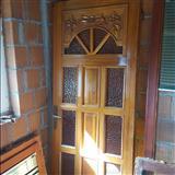 Dere dhe dritare