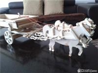 Kerrin me kuaj te punuar nga druri me dore