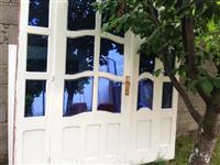 Shiten dyert dhe dritarja