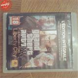 CD per ps3 GTA 4 .FIFA2013.WWE2010.NARUT 3.