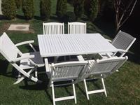 Tavolinë me 6 karrika per oborr
