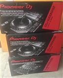 Pioneer CDJ 900 Nexus Set: 2 x CDJ 900 NXS, 1 x DJ