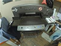 Prerese thike per leter Paper cutter