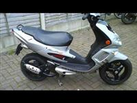 Peugeot scooter 50cc