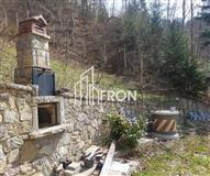 Shitet villa lukzoze në Rugovë të Pejës