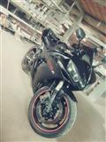 Motor r1 yamaha