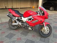 Shes ose nderroj Honda 1000cc  VTR1000F