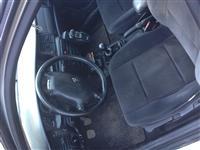 Opel VEKTRA VITI 2002. DISEL 2.2
