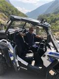 Shes motorin Poloris RZR s 900 ose ndrrim me banes
