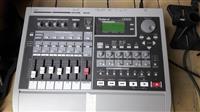 Roland VS 840 digital studio workstation