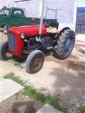 Traktor 539