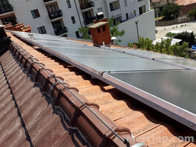 Panela-solar-per-uj-te-nxehte-