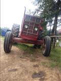 Urgjent , shitet traktori Internacional