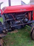 Traktori 558