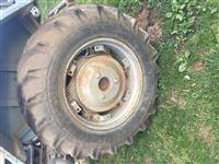 Gumen e traktorit 14she