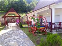 villa  lukzoze  dhe  shum  moderne  per  familjar