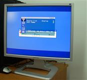 Shes 2 monitora samsung ne gjendje te rregullt