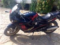 Suzuki GMX 600 F cc