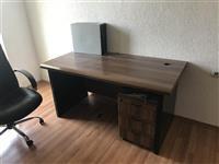 Shitet Tavolina e perdorshme per zyre