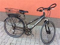 Shes  bicikllen ne gjendje shum te mir
