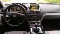 Monitor te Mercedesin W204 Viti 2008