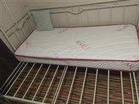 Krevat per fjetje(+ jogi)