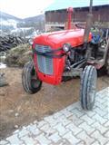 shitet traktori 533