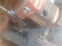 Traktorr marsey ferguson