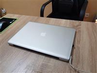 Macbook pro i7,16 GB ram, 500 GB SSD, 15 inc.