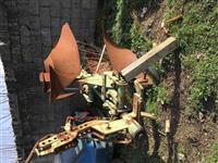 Pllug ( pllugj ) rrotullues mekanik