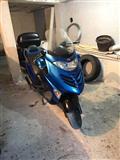 Grand skuter Kymco 250 cc