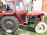 Traktor romi pllugj