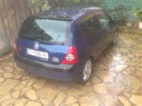 SHes veturen Reno Clio