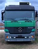 Kamion Actros