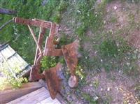 urgjentisht shtet traktori me paisje percjellese
