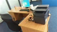 Kompjuter dhe Tavolina