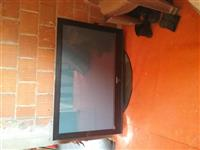 SHES TV SAMSUN 50 INCH LIREE