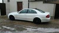 Mercedes e220 -06