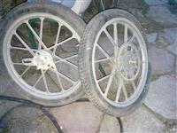 fellne 17 per moped