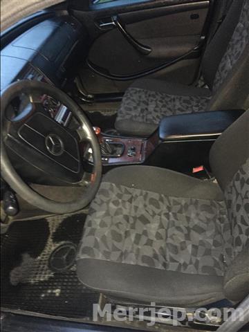 Mercedes-Benz-c220