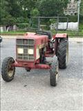 Traktor International mc cormick 383