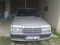 Shes mercedesin 190 rks 1vit