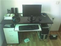 Kompjuteri me Tavoline